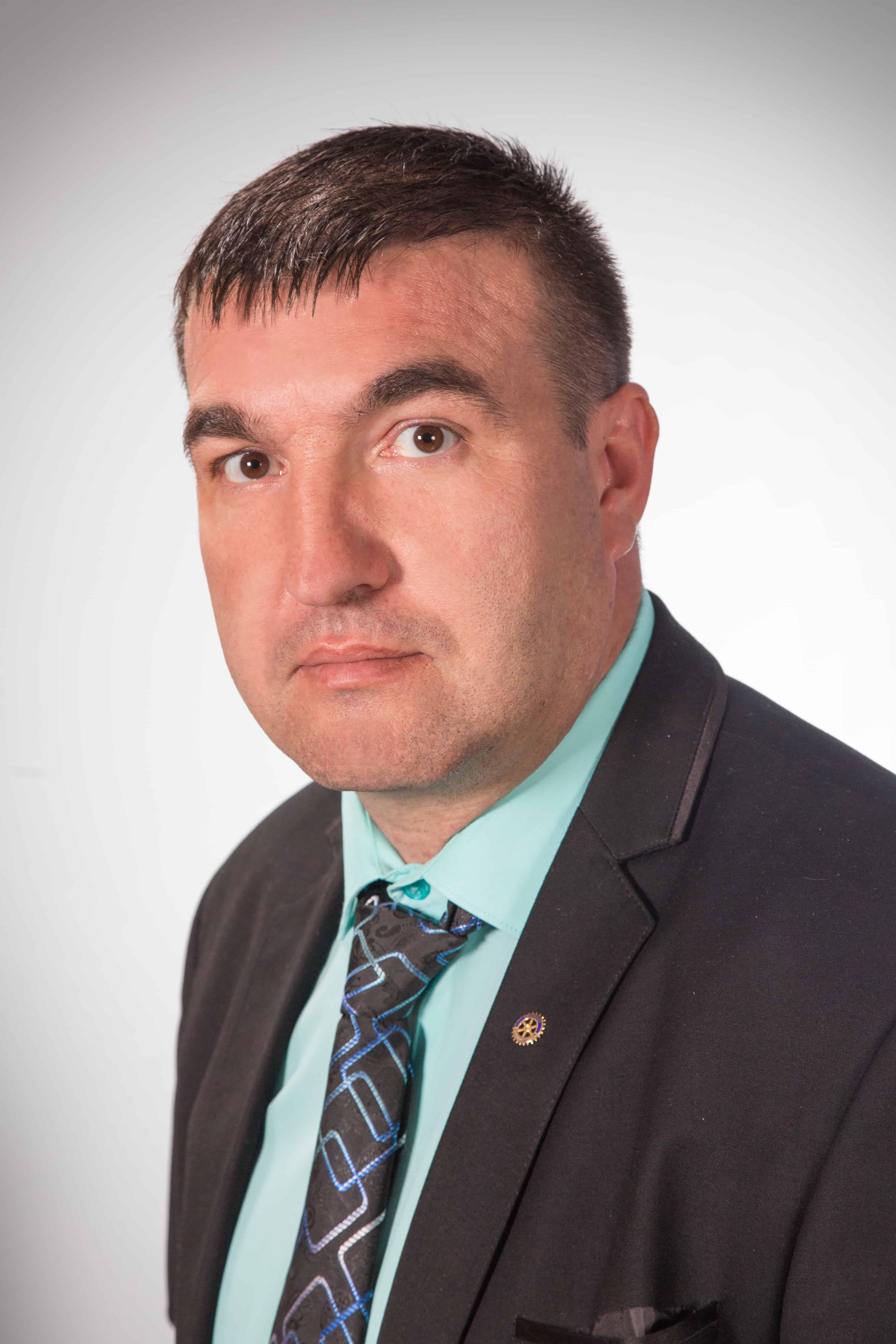 Владо Владов